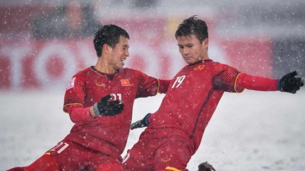 NÓNG: CLB Qatar hỏi mua, Quang Hải sẽ được đá cặp với huyền thoại Xavi?