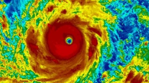 NÓNG: Siêu bão Mangkhut mạnh tương đương siêu bão Haiyan năm 2013 từng gây thảm họa 7000 người chết