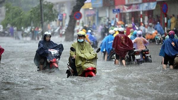 Nóng: Bão Mangkhut suy yếu thành ATNĐ, miền Bắc vẫn mưa cực lớn, khó thoát khỏi ngập lụt