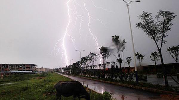 CẢNH BÁO: Nam bộ mưa dông gia tăng đề phòng gió giật mạnh và sét