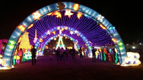Trung thu này, tha hồ sống ảo ở con đường đèn lồng khổng lồ, đại tiệc âm nhạc ngay sát Bắc Ninh