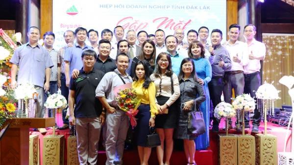 Gặp mặt doanh nhân, doanh nghiệp tỉnh Đắk Lắk nhân Ngày doanh nhân Việt Nam