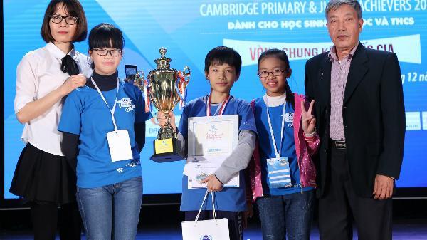 Cậu bé Hải Dương 10 tuổi trở thành quán quân cuộc thi tiếng Anh
