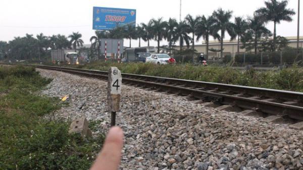 Hải Dương: Băng qua đường sắt để đi vệ sinh, người đàn ông bị tàu đâm tử vong