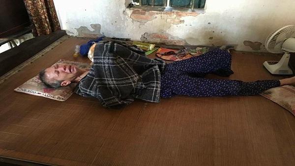 Hải Dương: Ngậm ngùi xót xa bà cụ 60 tuổi bị bại liệt sống trong ngôi nhà xập xệ