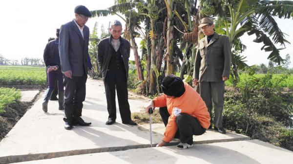 Nhập nhèm trong thu, chi xây dựng một số công trình ở thôn Văn Thai