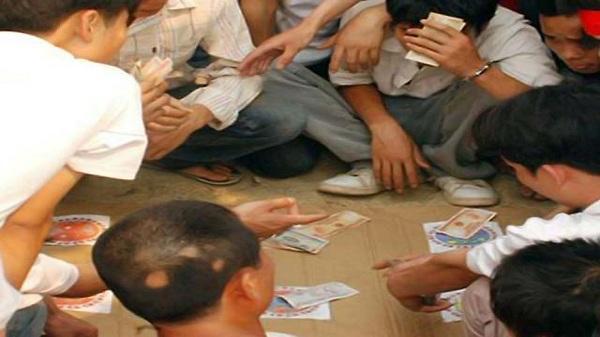 Công an Hải Dương bắt quả tang 4 vụ đánh bạc