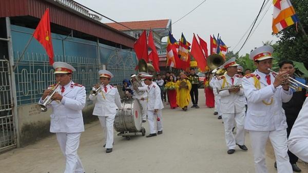Hải Dương: Hàng nghìn người dự lễ rước bảo tượng Phật hoàng Trần Nhân Tông về chùa Đồng Neo