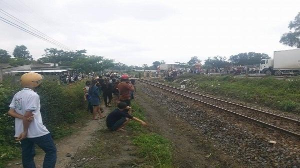 Hải Dương: Bị tàu hỏa đâm tử vong khi đi bộ qua đường sắt