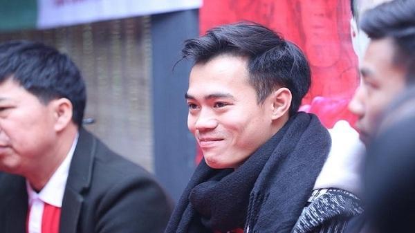 """Thầy """"vỡ lòng"""" tiết lộ tuổi thơ dữ dội của sao U23 Việt Nam quê Hải Dương"""