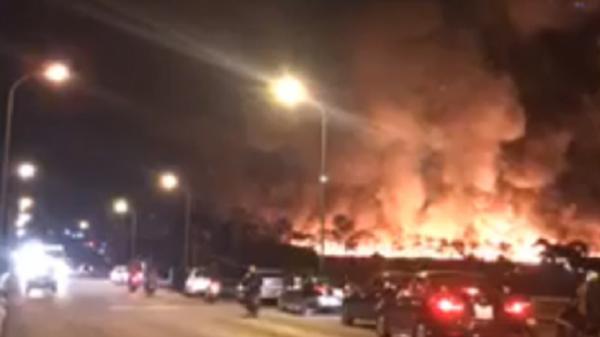 Hải Dương: Cháy lớn dữ dội tại nhà máy xi măng Phúc Sơn trong đêm 8/3