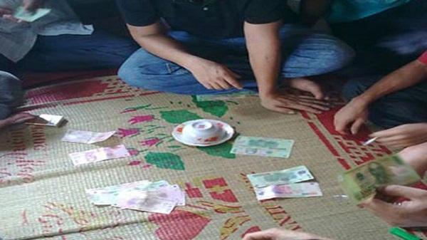 Nam Sách (Hải Dương): Tham gia đánh bạc, 5 con bạc lĩnh án tù