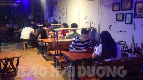 Hải Dương: Siêu độc đáo quán cà phê container có 1-0-2 hấp dẫn nhiều bạn trẻ