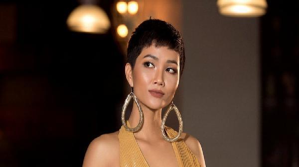 Gửi lời động viên Minh Tú, H'Hen Niê tiếp tục nhận được lời cảnh báo bị 'chơi xấu' từ Hoa hậu Hải Dương