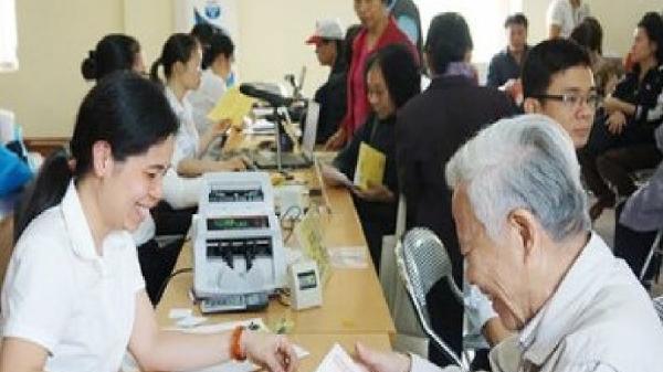 Hơn 336 ngàn người hưởng lợi trong ứng dụng Thẻ chi trả lương hưu, trợ cấp BHXH