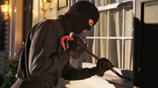 Thanh niên manh động trộm cắp và cướp xe máy