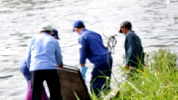 Hải Dương: Bàng hoàng phát hiện thi thể phụ nữ trôi sông