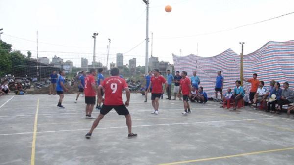 Giải bóng chuyền hơi người cao tuổi huyện Cẩm Giàng: Tân Trường nhất cả nam và nữ
