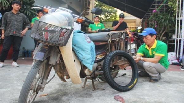 Lốp xe máy đặc ruột lần đầu tiên có mặt tại Hải Dương