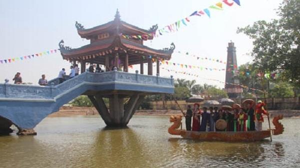 Lầu thủy đình - điểm nhấn di tích chùa Trăm Gian