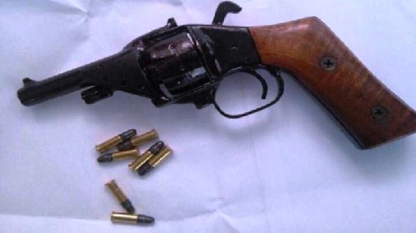 Điểm tin 2/11: Bắt đối tượng tàng trữ trái phép súng, ma túy