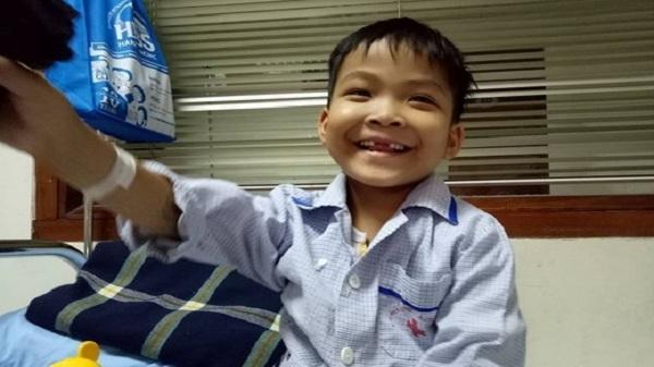 Tháng ngày cùng quẫn của góa phụ trẻ nuôi con ung thư máu ở Hải Dương