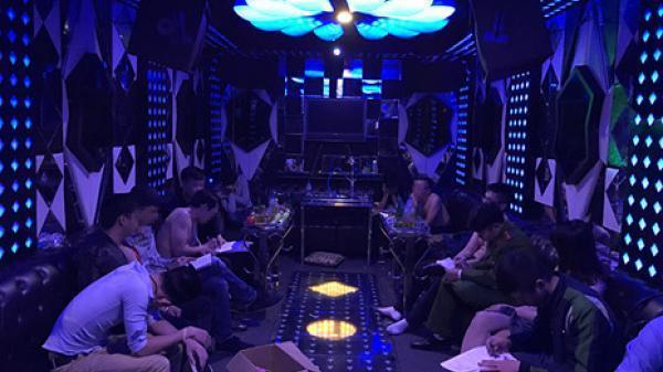 Đột kích quán karaoke 'hốt' gần 70 dân chơi đang phê thuốc