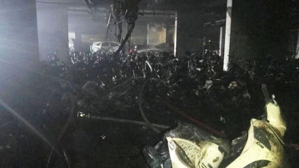 Hiện trường đầy ám ảnh vụ cháy kinh hoàng trong đêm khiến ít nhất 13 người tử vong