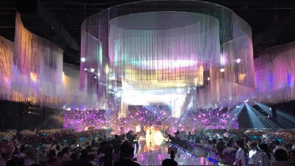 Bốn đám cưới siêu khủng ở Việt Nam: Đẹp như mơ, tiền chi như... nước