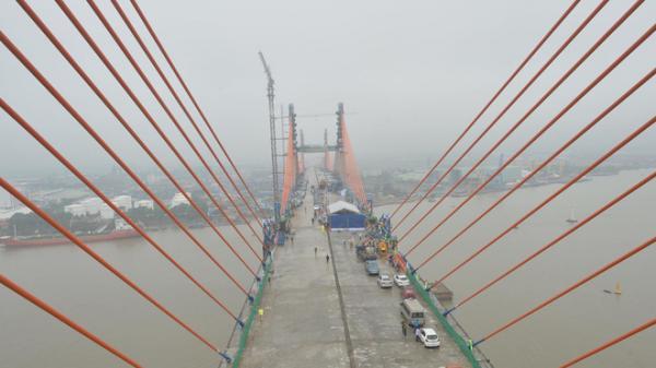 Hợp long cầu Bạch Đằng, nối cao tốc Hà Nội - Hải Phòng tới Hạ Long