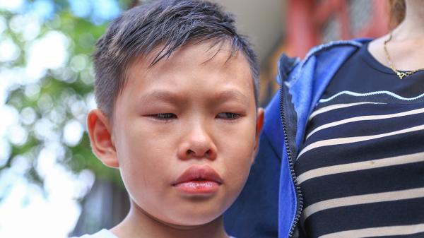 Con trai của 'hiệp sĩ' bị đâm chết: 'Lớn lên con sẽ đi bắt cướp giống ba'