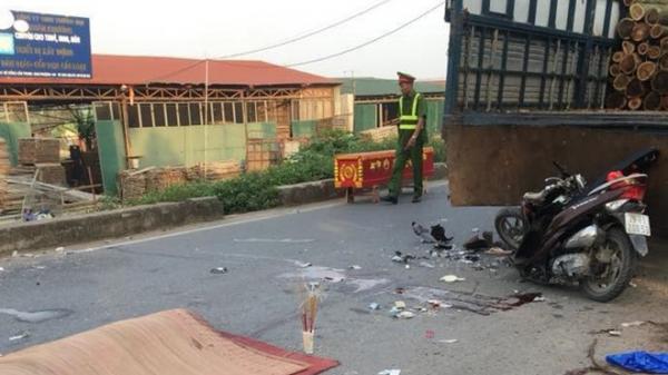 Hà Nội: Đôi nam nữ tử nạn sau cú đâm kinh hoàng vào đuôi xe tải đỗ ven đường