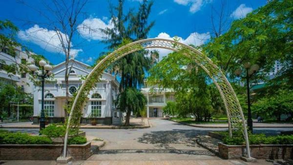 Khám phá những ngóc ngách đẹp không tưởng ở 4 ngôi trường Đại học nổi tiếng nhất Hà Nội