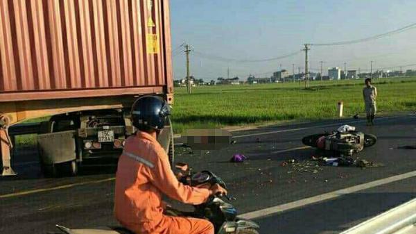 Hai vợ chồng tử vong thương tâm sau va chạm với xe container biển Hải Phòng trên QL39A hướng Hải Phòng - Thái Bình