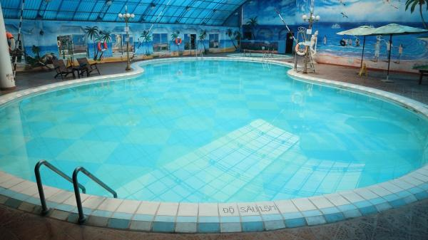 """Top các bể bơi sạch, chất lượng đảm bảo bố mẹ có thể tham khảo cho con học bơi, chơi hè ở Hà Nội <span class=""""ico-photo""""></span>"""