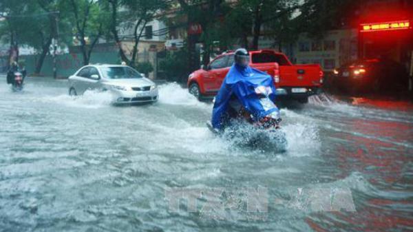 Hải Phòng: Mưa lớn gây ngập nhiều tuyến phố