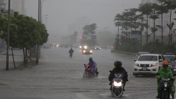 Bão số 8 giật cấp 13, Hà Nội đề phòng mưa lớn