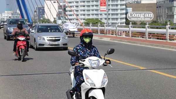 Đà Nẵng: Miền Trung quay quắt bởi nắng nóng