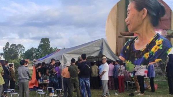 Xót xa đám tang của mẹ ca sĩ Châu Việt Cường