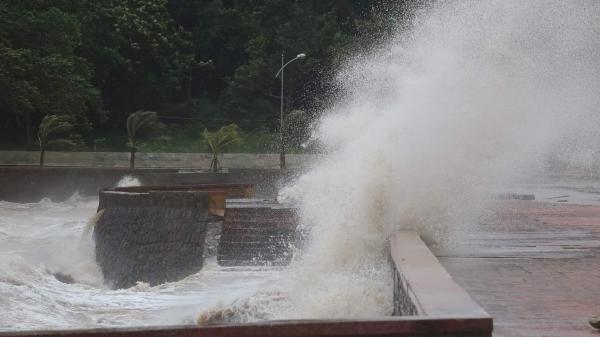 Lốc và áp thấp gây ảnh hưởng tại Hải Phòng và Thái Bình
