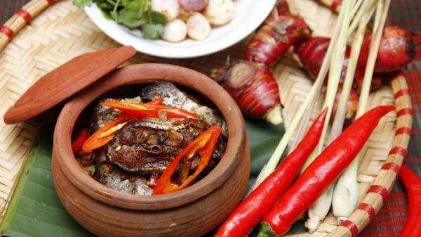 Ghé làng Vũ Đại để thưởng thức đặc sản cá kho thơm ngon không đâu có được.