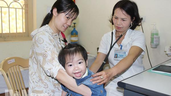 Thời điểm giao mùa, số trẻ đến khám tại Bệnh viện Sản-Nhi Hà Nam tăng 30%