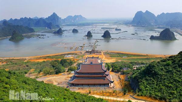 """Khu du lịch Tam Chúc -  """"Vịnh Hạ Long"""" trên cạn của Hà Nam"""