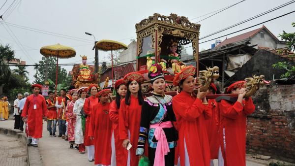 Hà Nam: Lễ rước Mẫu an vị về bản phủ Mẫu Mộc Hoàn, Mộc Bắc, Duy Tiên
