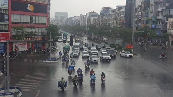 CỰC HOT: Hà Nội 'hả hê' đón mưa giải nhiệt sau đợt nóng nghẹt thở
