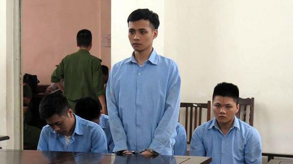 Dán cáo phó, mở nhạc đám hiếu để đòi nợ: Thanh niên Ninh Bình và đồng phạm nhận trái đắng