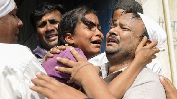 Nữ sinh 15 tuổi bị 3 giáo viên và 16 bạn cùng lớp cưỡng bức suốt 6 tháng gây chấn động dư luận