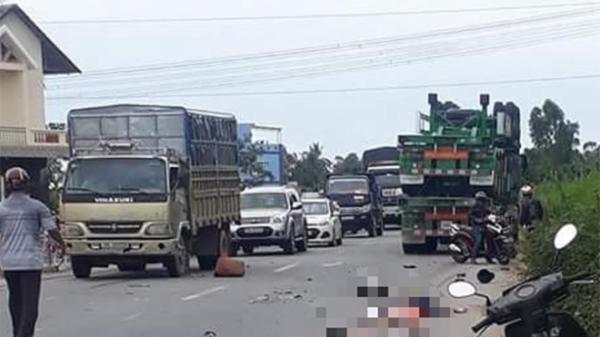 XÓT XA: Va chạm với xe container, hai vợ chồng chết thảm