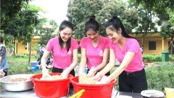 Thí sinh HHVN tham gia nấu ăn thiện nguyện cho các thương bệnh binh ở Hà Nam