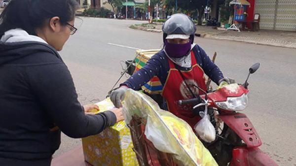 [XÚC ĐỘNG]: Thầy giáo quyên tiền từ thiện hỗ trợ nạn nhân vụ tai nạn xe rước dâu